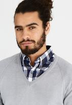 Rob Roy - Long Sleeve V-Neck Grey