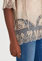 STYLE REPUBLIC - Combo Crochet Top Stone