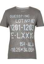 GUESS - S/S BSC Shifted Stripes Crew Tee Grey