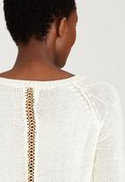 Revenge - Chain Detail Knit Cream