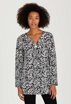 Revenge - Patterned Tunic Top Black and White