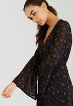 Brave Soul - All-over Printed V-neck Dress Black