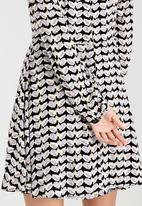 Brave Soul - Long Sleeve Printed Dress Black and White
