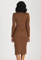 c(inch) - Ribbed High Neck Dress Camel/Tan
