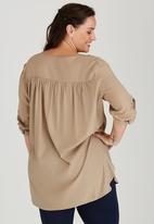edit Plus - Gypsy Roll-Up Sleeve Shirt Beige