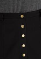 c(inch) - Front Button Mini Skirt Black