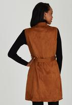 STYLE REPUBLIC - Suedette Sleeveless Coat Camel/Tan