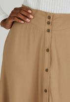 c(inch) - Flare Front Button Midi Skirt Stone