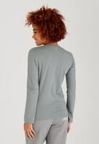 JEEP - Scoop Neck Embroidered Tee Grey