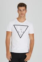 GUESS - S/S BSC Facet Logo Crew Tee White