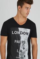 GUESS - S/S London Paris LA Tee Black