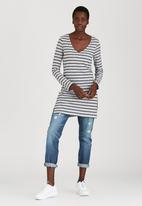 c(inch) - Top With Slits Grey