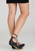Sam Star - Leather Lace Up Pointy Pumps Black