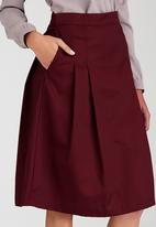 adam&eve; - Ninette Pleated Skirt Dark Red