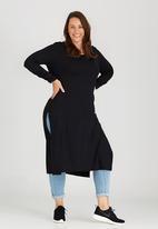 edit Plus - High Slit Tunic with Long Sleeve Black