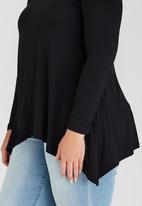 edit Plus - Basic Hanky Hem T-shirt Black