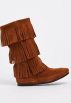 Minnetonka - Suede Calf-high Three Layer Fringe Boots Mid Brown