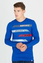 SOVIET - Rex L/Slv Printed T-Shirt Blue