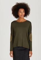 Slick - Tamar Suede-like Elbow Patch Top Khaki Green