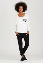 Slick - Ella Contrast Pocket Top Off White