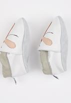 shooshoos - Dragon Fly Pull On White