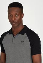 GUESS - Short Sleeve EVANS PIQUE POLO Black