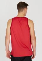 DC - Earl Tt 5 Vest Red