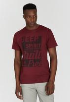 JEEP - One Up Printed Dirty T-Shirt Dark Red