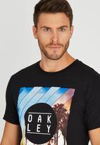 Oakley - MENS PALM WALK TEE Black