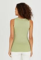 Passionknit - Scoop Neck Vest Light Green