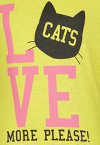 Soobe - Printed Love Cats Tee Yellow