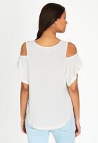edit - Volume Cold-shoulder T-shirt Milk