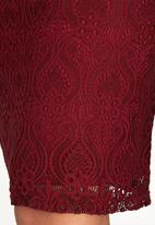 edit - Fitted Lace Skirt Dark Red