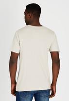Billabong  - Icon V Short Sleeve T-Shirt Grey