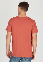 Wrangler - Worthy T-Shirt Red