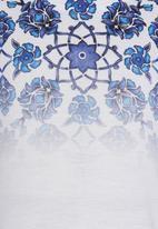Soobe - Printed Tee White