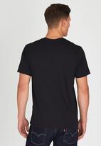 Levi's® - Graphic Set-In Neck 2 Black
