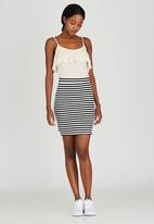 c(inch) - Step Mini Skirt Black and White