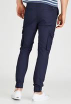 GUESS - Slim Cargo Twill Pant Navy
