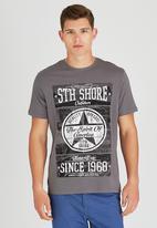 Sth Shore - American Spirit T-Shirt Dark Grey