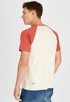 Wrangler - Heritage T-Shirt Off White