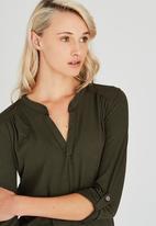 Kate Jordan - Casual Knit Khaki Green