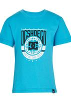 DC - Around The Glob Tods Tee Mid Blue