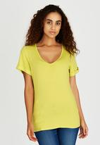 c(inch) - Rolled Sleeve T-shirt Light Green