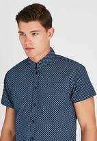 GUESS - Short Sleeve Colony Print Shirt Blue