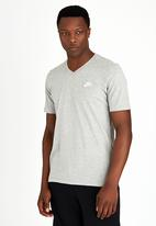 Nike - NSW Club T- shirt Dark Grey