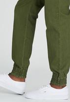 Vans - Excerpt Chino Pegged Dark Green