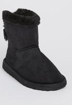 Foot Focus - Ugg Boot Black