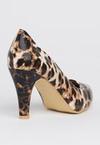 Footwork - Round-toe Court Shoes Animal Print