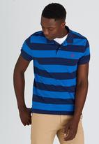 POLO - S/S Feeder Stripe Golfer Blue